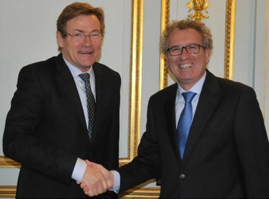 """Minister Van Overtveldt: """"Transparantie is een werk van elke dag"""""""